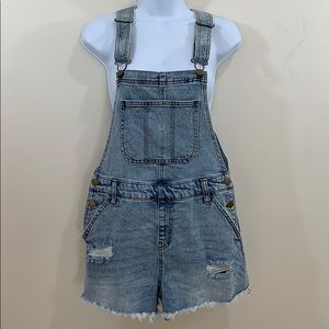 Wild Fable Frayed Hem Overall Jean Shorts  Size S